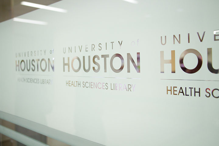 The UH Health Sciences Library held its grand opening with a ribbon cutting.